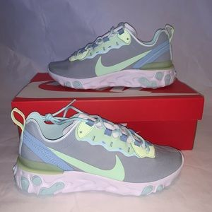 """Nike React Element 55 Women Frosted Spruce"""" Size 8"""